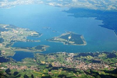 hubschrauber-rundflug-muenchen-chiemsee-herren-fraueninsel