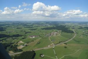 [:de]hubschrauber-rundflug-memmingen-allgaeu-alpen-landschaft-see[:en]Helicopter Tours Memmingen Allgau[:]
