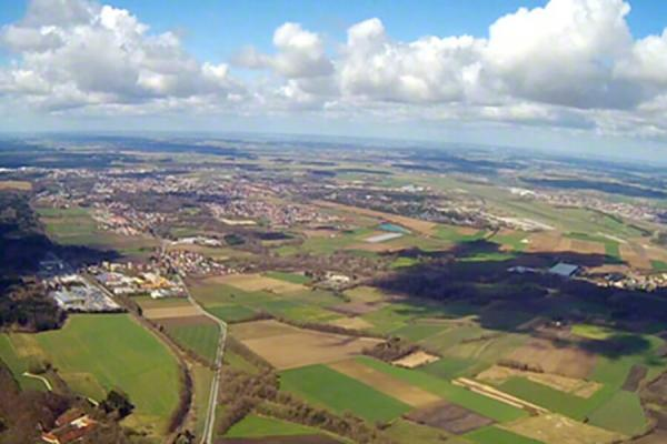 hubschrauber-rundflug-cuxhaven-nordholz-skyline-schloss-denkmal-geschenk