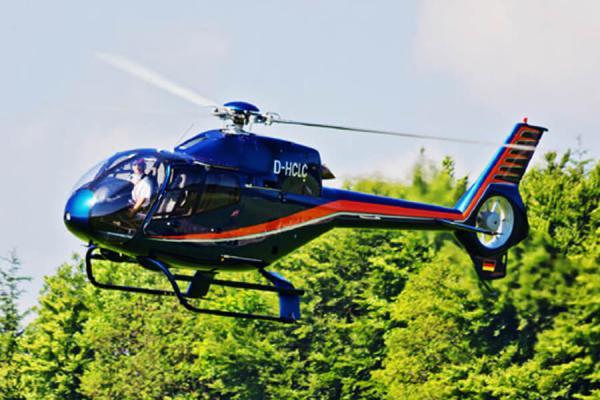 [:de]hubschrauber-rundflug-weihnachten-ostern-geschenk-idee-familie-geburtstag-pilot[:en]Geschenkidee Weihnachten Geschenk Gutschein Hubschrauber Rundflug Fliegen Rundflüge Überraschung Helikopter Rundflüge[:]
