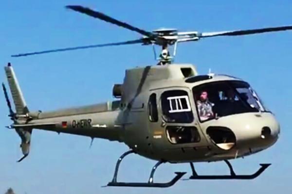 [:de]hubschrauber-rundflug-weihnachten-ostern-geschenk-ueberraschung-geburtstag-pilot[:en]Geschenkidee Weihnachten Geschenk Gutschein Hubschrauber Rundflug Fliegen Rundflüge Überraschung Helikopter Rundflüge[:]