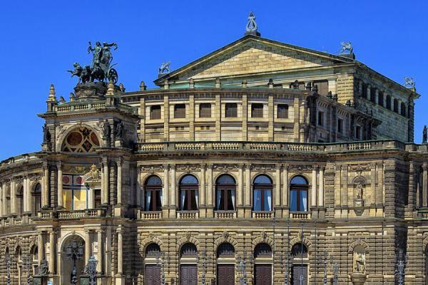 [:de]hubschrauber-rundflug-dresden-kamenz-denkmal-schloss-museum[:en]Hubschrauber Helikopter Rundflug Dresden Kamenz Selber fliegen[:]