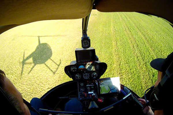 hubschrauber-rundfluege-bayreuth-oberfranken-hubschrauberflug-selber-steuern-pilot-helikopter