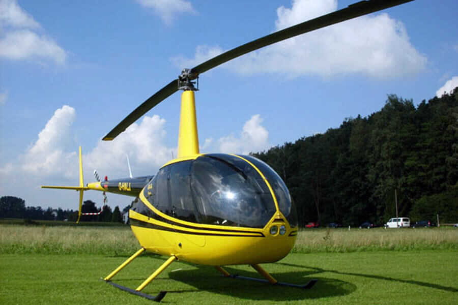 hubschrauber-rundflug-eggenfelden-pilot-copilot-selber-steuern