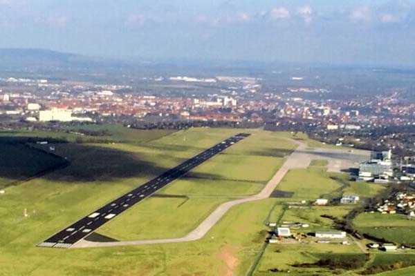 hubschrauber-rundfluege-erfurt-thueringen-hubschrauberflug-geburtstag-gutschein-geschenk-ueberraschung-hochzeit