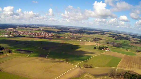 hubschrauber-rundfluege-rothenburg-tauber-hubschrauberflug-geschenk-verlobung-fliegen