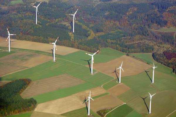 hubschrauber-rundfluege-schweinfurt-unterfranken-hubschrauberflug-heimat-helikopter-steuern