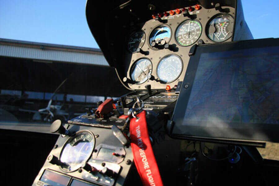 hubschrauber-rundfluege-straubing-hubschrauberflug-instrumente