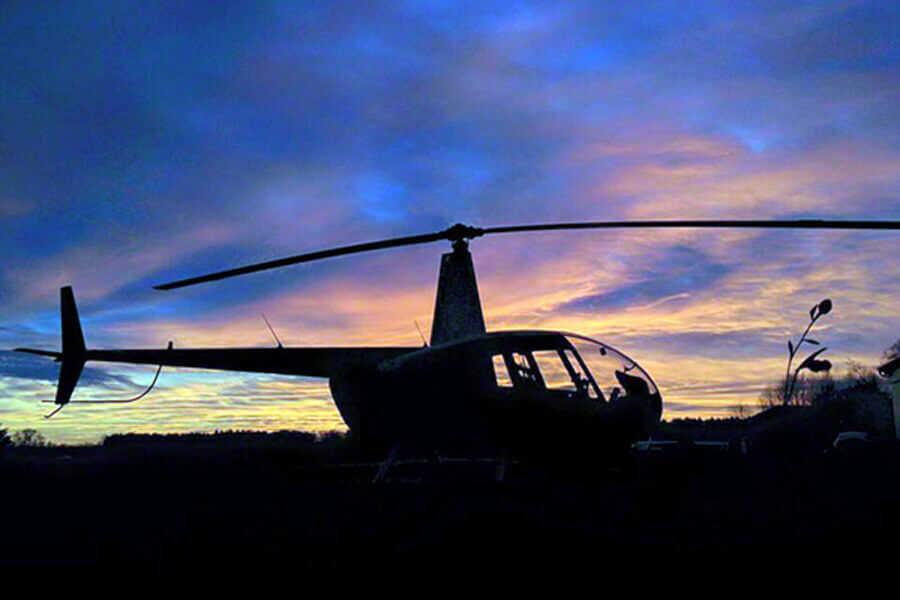 hubschrauber-rundflug-pilot-sonnenuntergang-r44-straubing-hubschrauberflug