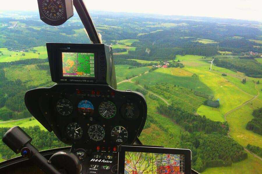 hubschrauber-rundflug-porta-wernigerode-harz-brocken-hubschrauberflug-pilot-selber-steuern-fliegen