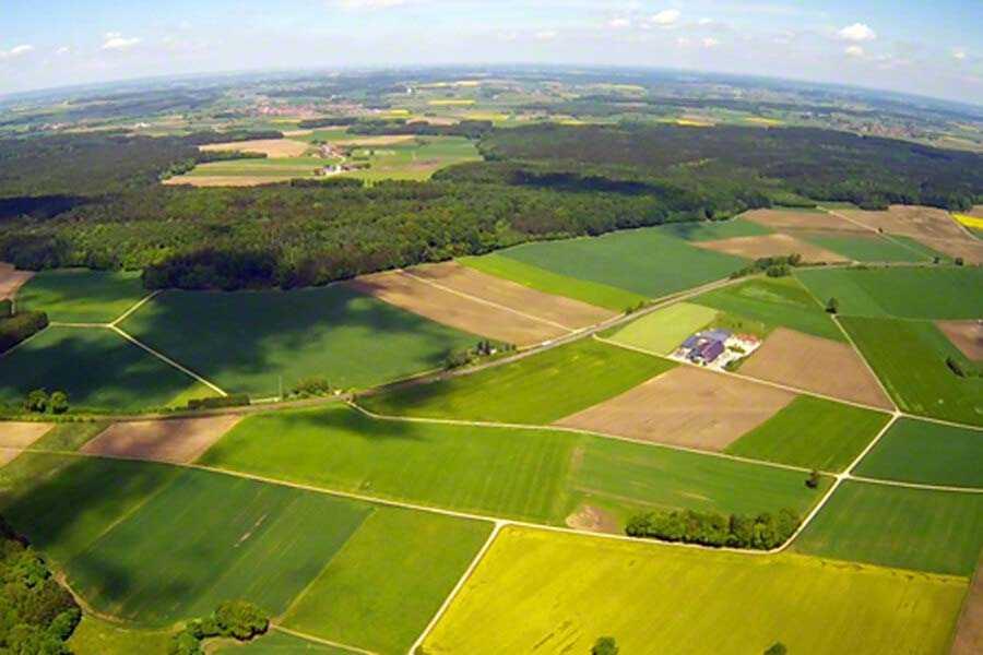 hubschrauber-rundflug-porta-westfalica-bielefeld-hubschrauberflug-geschenk-ueberraschung-hochzeit