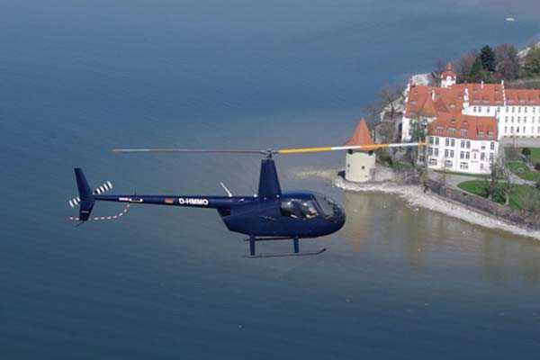 hubschrauber-rundfluege-friedrichshafen-bodensee-hubschrauberflug-gutschein-r44-pilot-selber-steuern