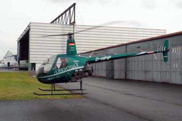 hubschrauber-rundfluege-friedrichshafen-bodensee-hubschrauberflug-r44-selber-steuern-pilot-flugschule-helikopter