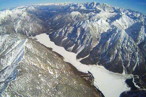 hubschrauber-rundfluege-ottobrunn-muenchen-schloesser-hubschrauberflug-alpen-bayern-geburtstag-geschenk-gutschein
