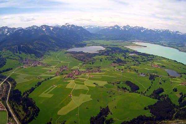 hubschrauber-rundfluege-ottobrunn-muenchen-schloesser-hubschrauberflug-bayern-fliegen-alpen-geschenk-gutschein