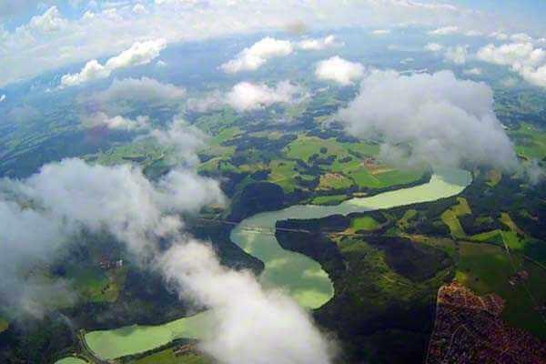 hubschrauber-rundfluege-ottobrunn-muenchen-schloesser-hubschrauberflug-bayern-fliegen-geburtstag-gutschein-gruppe