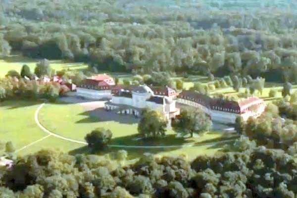 hubschrauber-rundfluege-stuttgart-baden-wuerttemberg-hubschrauberflug-geschenk-gutschein-fliegen-ueberraschung-event