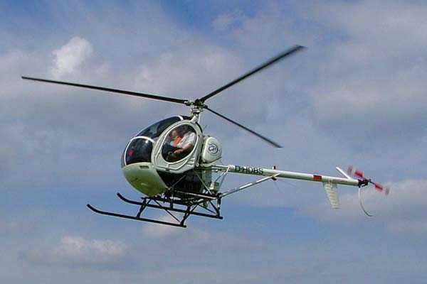 hubschrauber-selberfliegen-berlin-schoenhagen-potsdam-hubschrauberflug-hugh269-helikopter-steuern